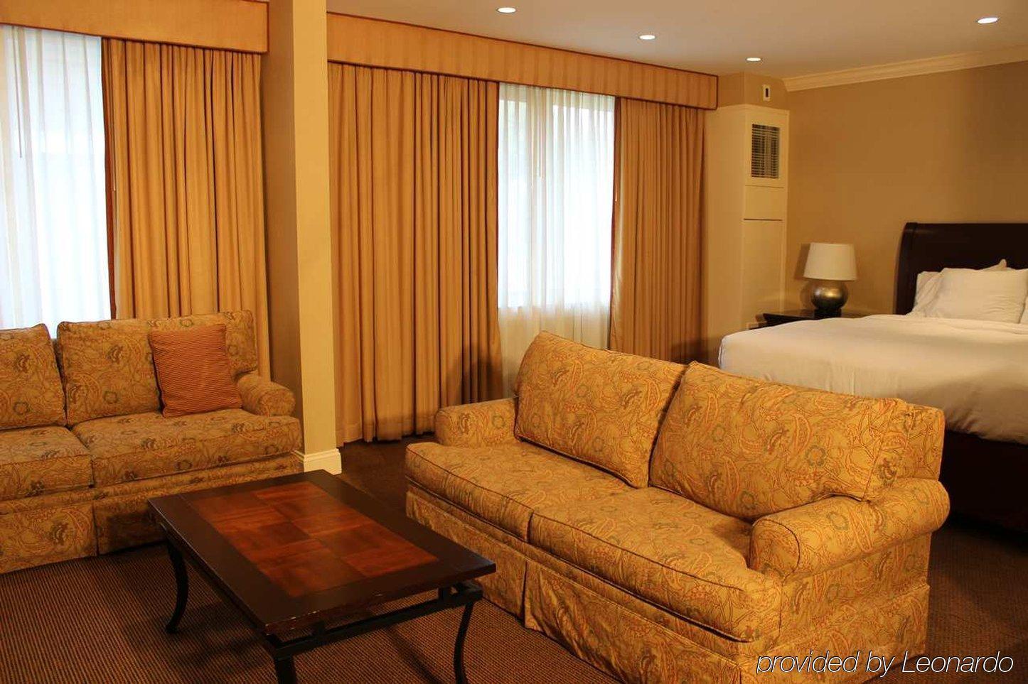 HOTEL DOUBLETREE BY HILTON TARRYTOWN, TARRYTOWN ****